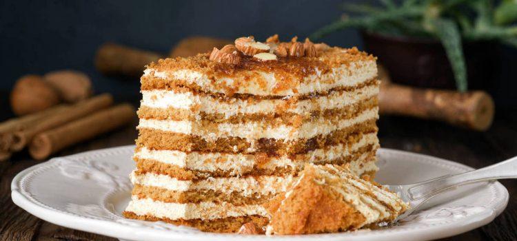 Торта от бисквити и целувки